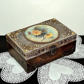 Middle size, Shabby Сhic brown Jewelry Box, Distressed Box, distressed box, trinket box with roses, antique jewelry box, hand decorated box