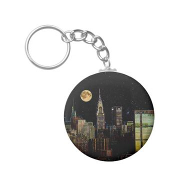 New York Skyline At Night With Full Moon Keychain