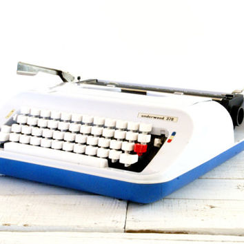 Underwood  378 Typewriter Olivetti Lettera 92 // Working