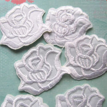 4 Pieces of Embroidered White Rose Iron on Patches Free shipping