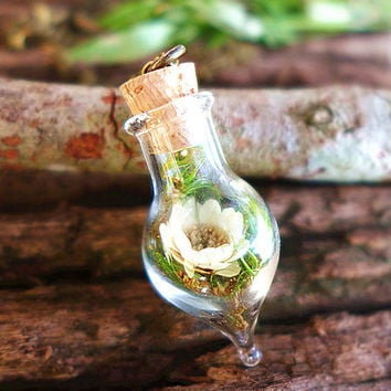 Real Daisy Necklace, Purity Necklace, Hanging Terrarium Jewelry, Living Plant Pendant, Gypsy Jewelry, Simple Boho Necklace, Sweet 16 Gift