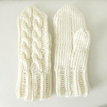 White knitted mittens, cable knit wool mitten, warm mittens, white gloves, winter clothing, eco-sustainable
