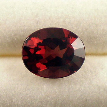 Rhodolite Garnet: 3.30ct Red Oval Shape Gemstone, Natural Hand Made Faceted Gem, Loose Precious Mineral, Cut Crystal Jewelry Supply 20281