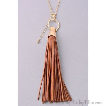 Long Fresca tassel necklace
