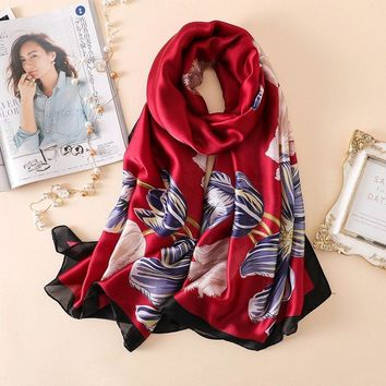 New 2018 Summer Luxury Brand Women Scarf Fashion Floral Print Silk Scarves Brand Designer Shawls Wraps Long Bandana Foulard
