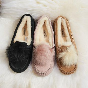 ugg women s dakota pom pom shoes