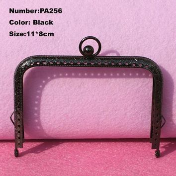 PA256 Purse Frame Hanger Embossing Square Circle 11*8cm Black Metal Clasps Purses Accessories Handles Handbags Diy Bag Parts