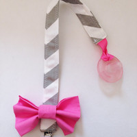 PACIFIER CLIP Gray/White Chevron with Pink Bow, Chevron, Pacifier Clip, Pink Bow, Gray/ White Chevron