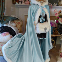 Hot Sale Bridal Cape Baby Blue Floor Length Faux Fur Trim Winter Vintage Wedding Cloaks Hooded Bride Long Wraps Jackets