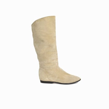 Vintage Suede Leather Boots in Ecru / Flat Boots - women's 7.5
