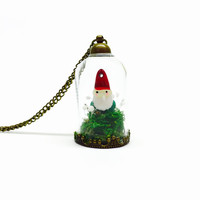 Gnome Terrarium Necklace, Garden Gnome, Terrarium Jewelry, Flower Jewelry, Fantasy Necklace, Dried Flowers, Preserved Moss, WoodlandJewelry