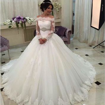 White Ball Gown Wedding Dresses 2017 Boat Neck Long Sleeve Lace-Up Romantic Lace Wedding Bridal Gowns 2016 Vestidos De Noiva