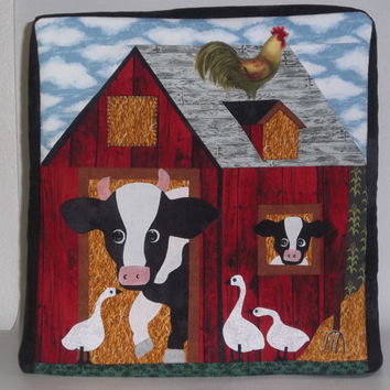 Made-to-Order Kitchenaid Mixer Cover- Machine Appliqued Barn with Farm Animals