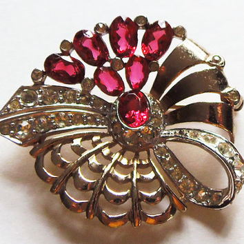 Boucher Brooch With Ruby Colored Rhinestones Vintage 1948