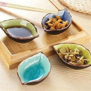 1PCS Creative Handcraft Leaves Ceramic Plates Japanese Sushi Dishes Snacks Kitchen Vinegar Seasoning Sauce China Dinnerware