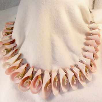 Shell Collector Necklace, Shell Necklace, Summer Necklace, Coral Color Necklace, Beachwear Necklace, Vacation necklace, Sea Necklace