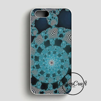Abstract Doily iPhone SE Case | casescraft