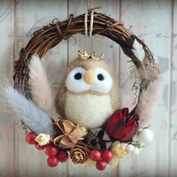 Needle felt owl dry flower wreath, bird doll wreath home decor ornament, woodland wreath, beige color owl, gift under 30