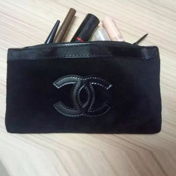 Chanel Fashion Simple Cosmetic Bag Paint Leather Soft Nap Portable Handbag Zipper Coin Purse Wallet