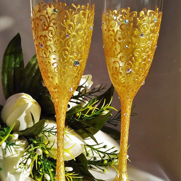 Personalized Wedding Flutes Gold Bride And Groom Champagne