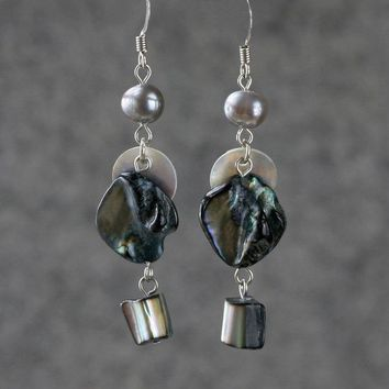 Gray Pearl Shell dangling chandelier Earrings handmade free shipping anni designs