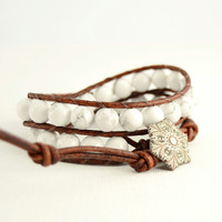 White howlite bracelet. Summer chic beaded jewelry