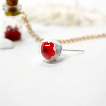 Glass Orb Earring, Red Flower with baby's Breath, Natural Dried Flower Necklack, Mini Earrings, Stud Earrings
