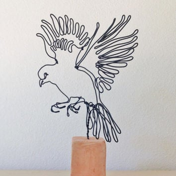 Wire sculpture - Bird in Flight - Standing bird - Canary ornament  - Bird lover gift - reative Romantic gift - Wings - Feathers - Birdie