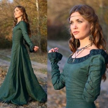 Renaissance Victorian Dress In Plus Size