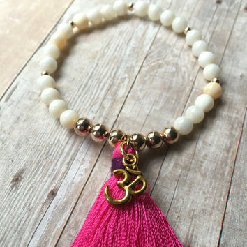 Mother of Pearl Beaded Tassel Bracelet White Shell Beaded Bracelet Mother of Pearl Stretch Bracelet Pink Tassel Bracelet Boho Bracelet ST102