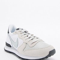 Nike Internationalist Trainers in White - Urban Outfitters