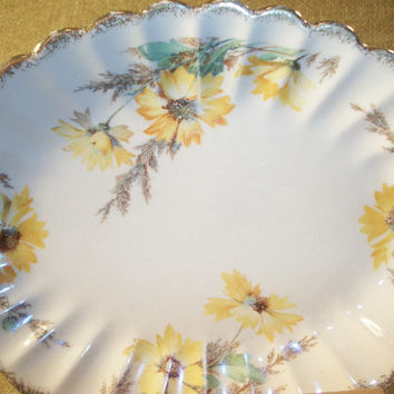 Yellow Daisy Pattern Antique Tableware Serving Plate Sebring Golden Ware Ohio USA 22 K Pure Gold Trim Umber Tone Porcelain