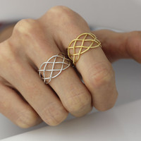 Adjustable Connected Infinity Ring