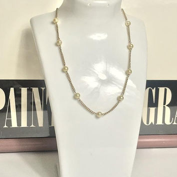 Minimalist Faux Pearl Gold Tone Chain Choker / Beaded Chain Necklace / Elegant Simple Gold Tone Necklace / Vtg Bridal Pearl Choker Necklace
