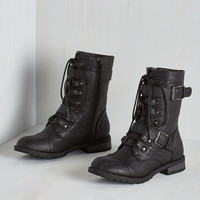 Military Ponder Your Wandering Boot in Black