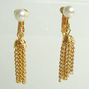 Celebrity NY Pearl Chain Clip On Earrings Vintage Jewelry