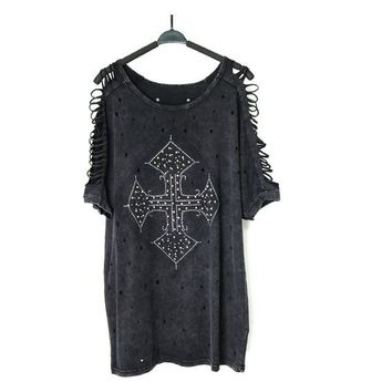 PUNK ROCK RIVET CROSS TOP