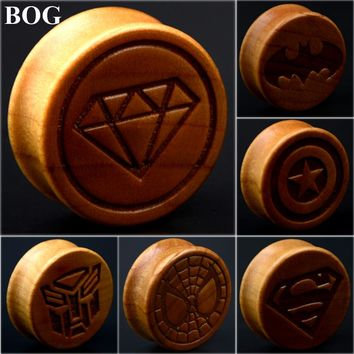 1Pair Ear Tunnels And Plugs Natural Wood Taper Stretchers Gauge Expanders Carved Batman Superman Hero Logo Body Piercing Jewelry