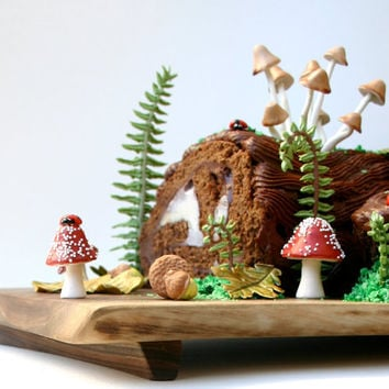 Woodland Cake Decorating Set / Make This Cake and Eat it Too ...Edible Decorating Set / featured in the Etsy blog and Nerdcore.