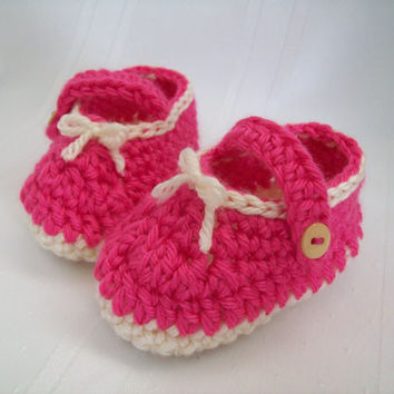 Crochet  Baby Girl Shoes, Pink and tan booties, Baby Girl Shoes, 6 to 9 Months