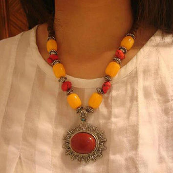 Nepal Tibet beeswax color stone Alloy metal ethnic necklace