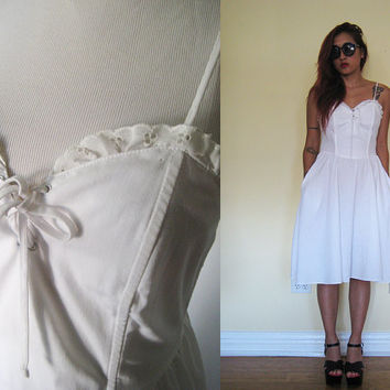 Vintage 70's eyelet white sweetheart neckline lace up corset wedding lolita party day dress