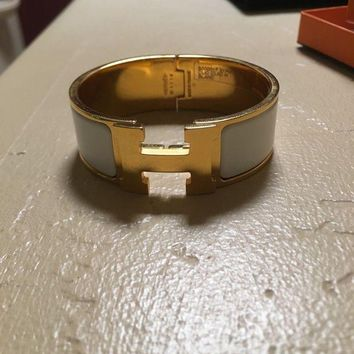 VONE7FQ NEW HERMES Clic Clac H wide PM white enamel gold hardware bracelet with box