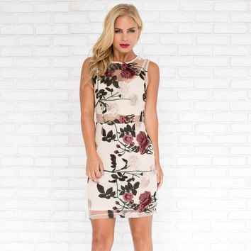 Vineyard Floral Embroider Bodycon Dress