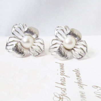 pearl stud earrings pearl studs, silver pearl flower earrings, pearl earrings stud, freshwater pearl earrings, pearl bridal earrings, floral