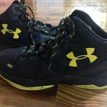VONE05 Under Armour Stephen Curry 2 high tops basketball shoes black / yellow size 7