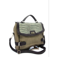 Dulce Grey Messenger