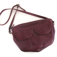 Vintage maroon red leather shoulder purse.