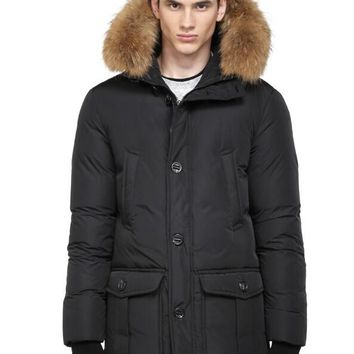 Mackage Men's bryan down papka with fur hood trin down jacket/black