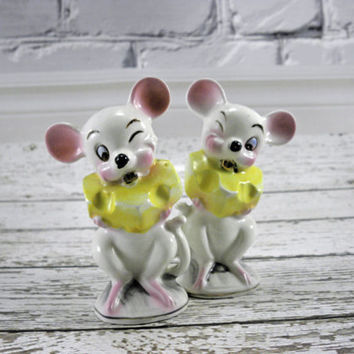 Vintage Salt and Pepper Shakers Large Mouse eating cheese pair